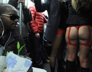 pants-subway-ride-new-york-city02