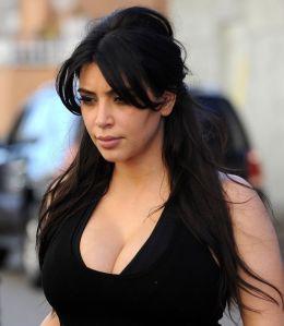 4 times Kims boobs