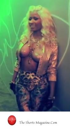 Nicki Minaj stars shorts mag