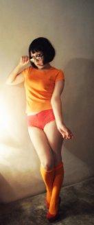 velma_cosplay_by_cherrysteam-d5qc27f