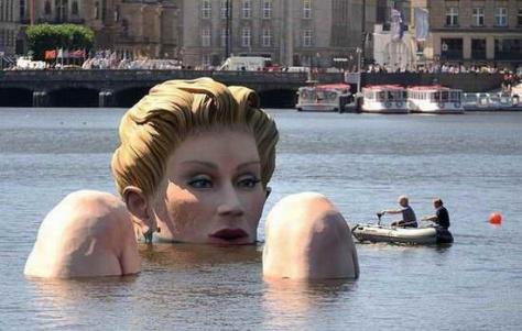 giant sea woman statue
