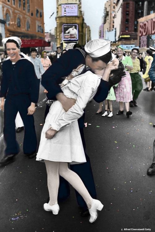 kissing sailor colorized