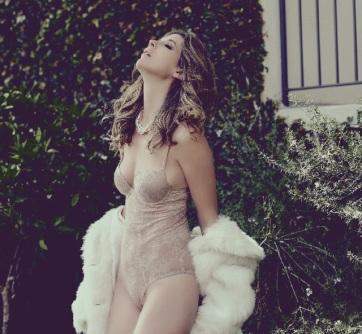 hot girl in fur