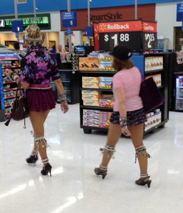 women-flashing-at-walmart-guy-sticks-his-finger-in-a-girls-pussy
